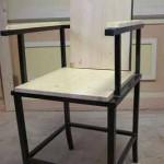 Кресло жесткое