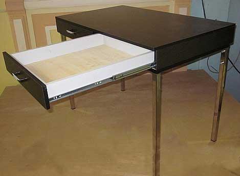 стол-письменный--на-ножках